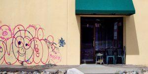 Jednoduché odstranění graffiti díky NANO ochraně